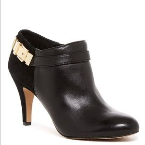 VINCE CAMUTO Vanny Leather Platform Ankle Boot 9
